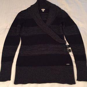 Cute sweater Guess 🖤